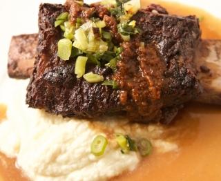 Braised Creekstone shortrib, cauliflower mash, smoky-spicy Oaxacan pasilla salsa